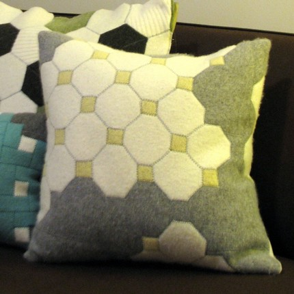 OCTagON TiLes pillow