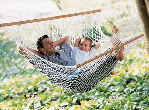 Recyled & Ready to Hang: Ultimate Hammock — Your guide to stylish, eco-friendly decor! :  outdoors organic green decorating gaiam