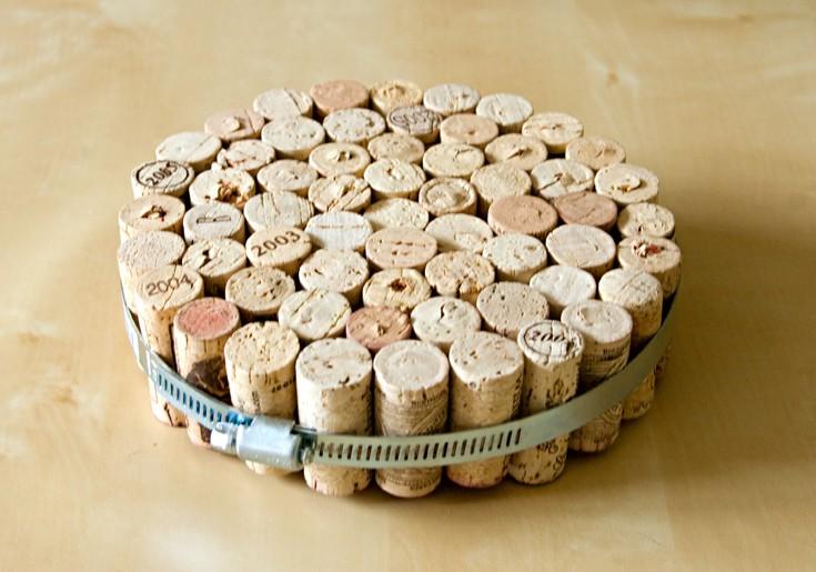 Wine dine simple cork trivet for Simple cork