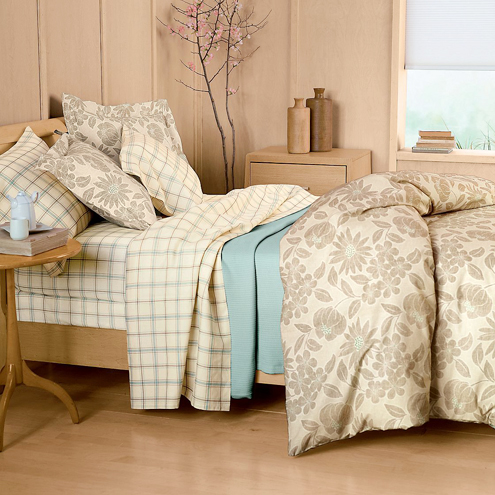 Neutral, but Not Boring: Organic Wilshire Floral Percale Bedding Thumbnail