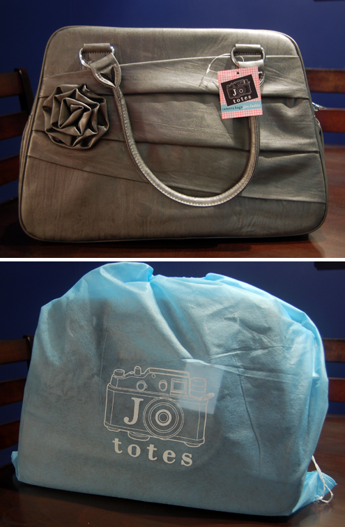 Green Gift Giveaway: Jo Totes Vegan Camera Bag Thumbnail