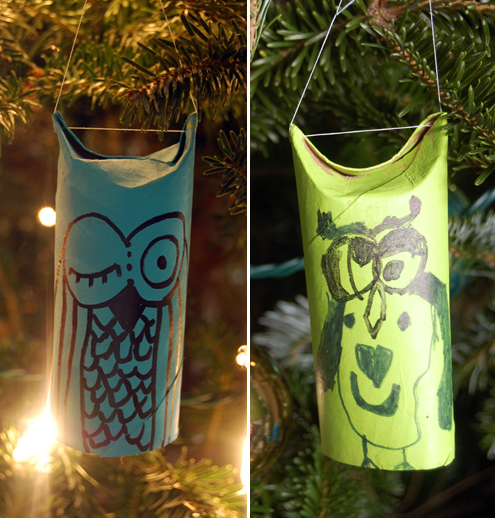 Two styles of diy toilet paper roll christmas ornaments for Toilet paper tube owls