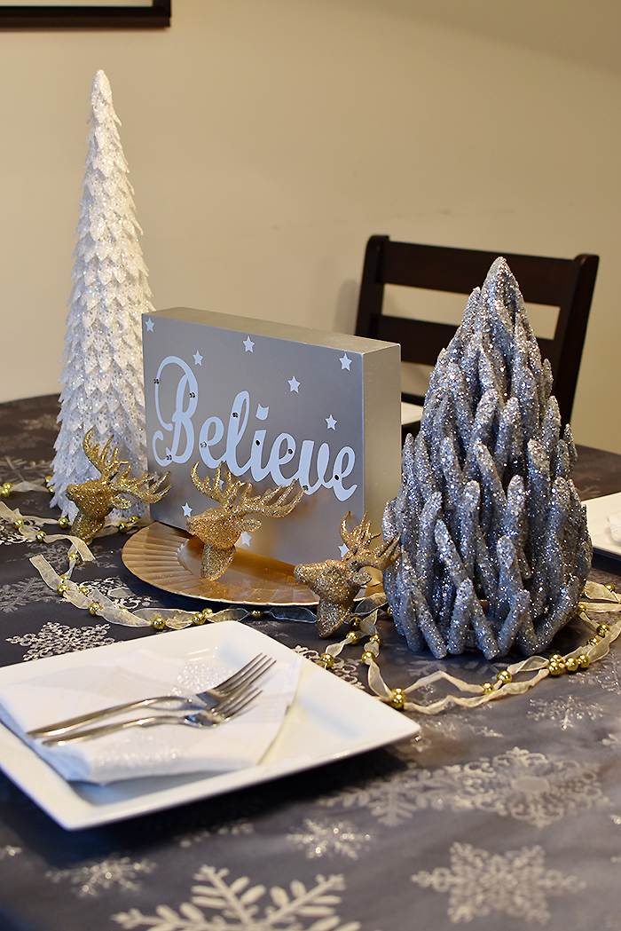 How to Create a Simple, Sophisticated Christmas Tablescape Thumbnail