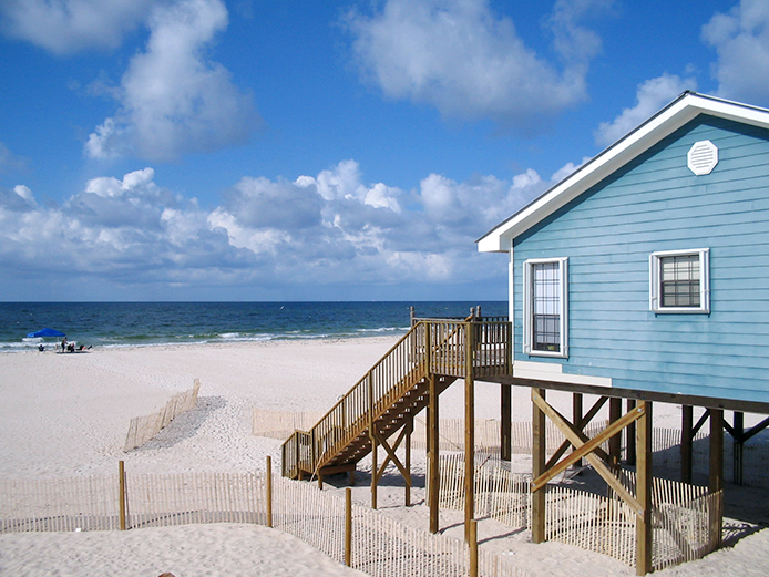 Eco-Friendly Tips for Decorating Your Beach House Thumbnail
