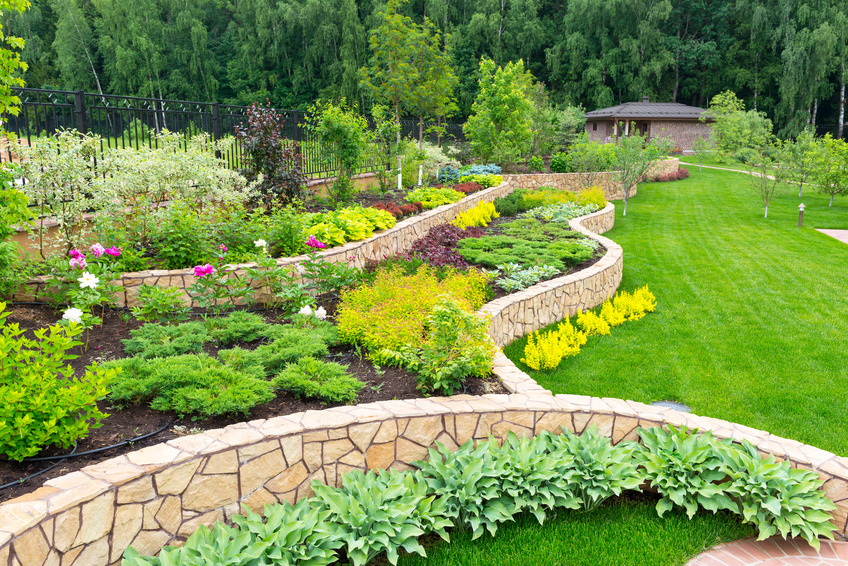 3 Simple Landscaping Projects That Won't Break The Bank, But Net Large Returns Thumbnail