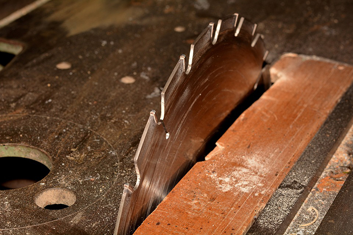 Buying a Table Saw for DIY Projects Thumbnail