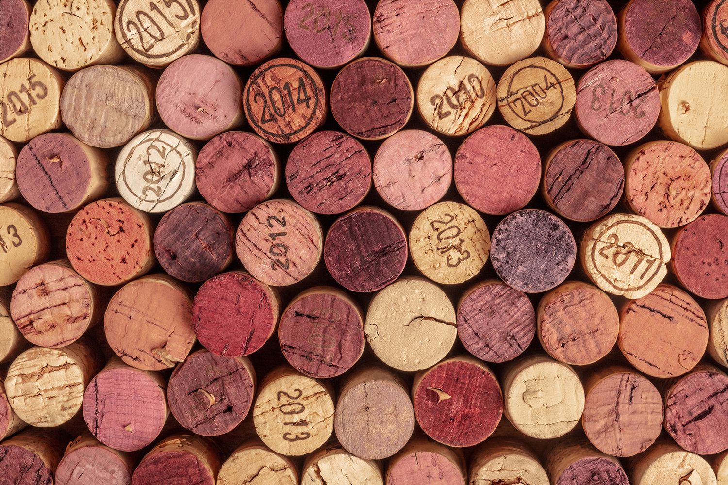 6 Types of Wine Corks and Their Usage Thumbnail